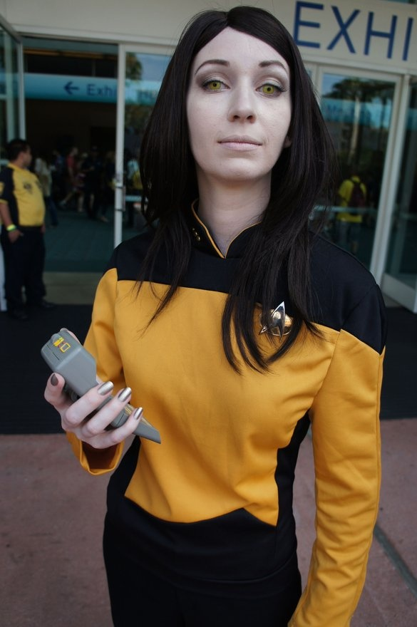 Female star trek cosplay